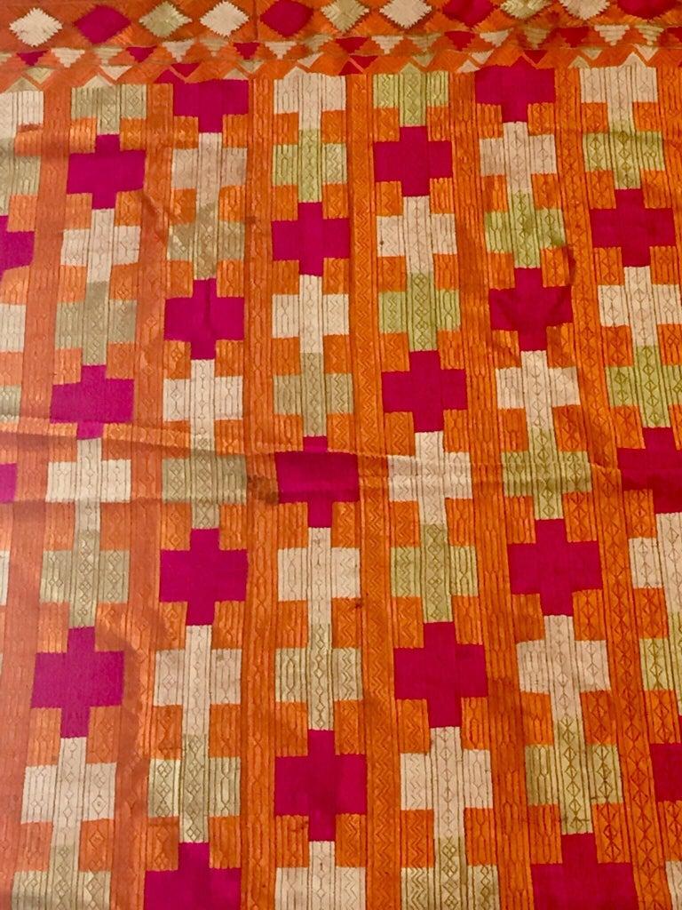 Phulkari Wedding Shawl, Silk Embroidery on Cotton, Punjab India, 20th Century For Sale 5