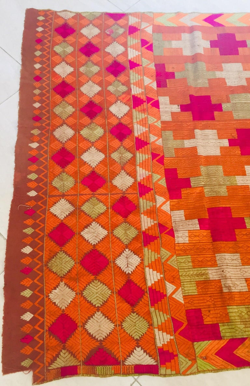 Phulkari Wedding Shawl, Silk Embroidery on Cotton, Punjab India, 20th Century For Sale 8