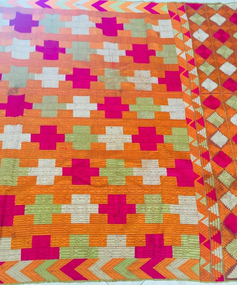 Phulkari Wedding Shawl, Silk Embroidery on Cotton, Punjab India, 20th Century For Sale 11