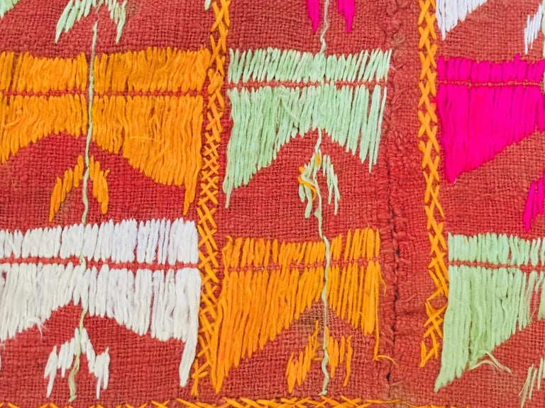 Phulkari Wedding Shawl, Silk Embroidery on Cotton, Punjab India 20th Century For Sale 13