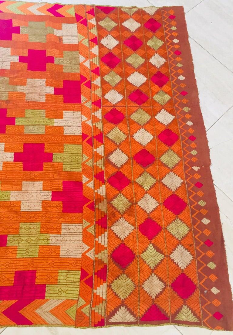 Phulkari Wedding Shawl, Silk Embroidery on Cotton, Punjab India, 20th Century For Sale 14