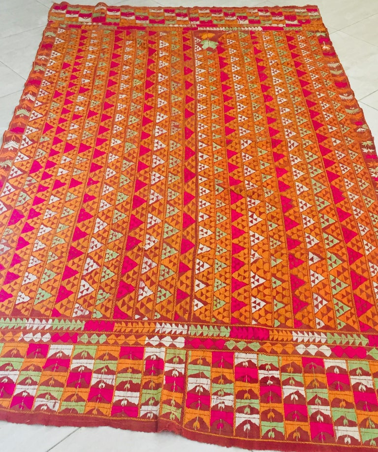 Phulkari Wedding Shawl, Silk Embroidery on Cotton, Punjab India 20th Century For Sale 3