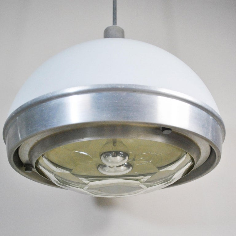 Nice pendant chandelier in plex and glass worked from Italian midcentury by Pia Guidetti Crippa for Lumi Milano.