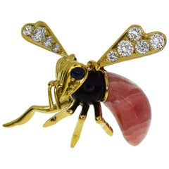 Piaget Diamond Sapphire Onyx Pink Agate 18 Karat Yellow Gold Flying Bee Brooch