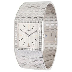Piaget Dress 9131 04 Ladies Watch in 18 Karat White Gold