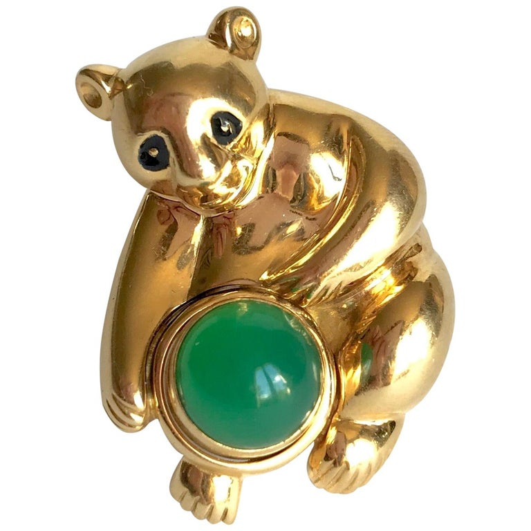 Piaget Koala Brooch in 18 Karat Yellow Gold and Chrysoprase For Sale