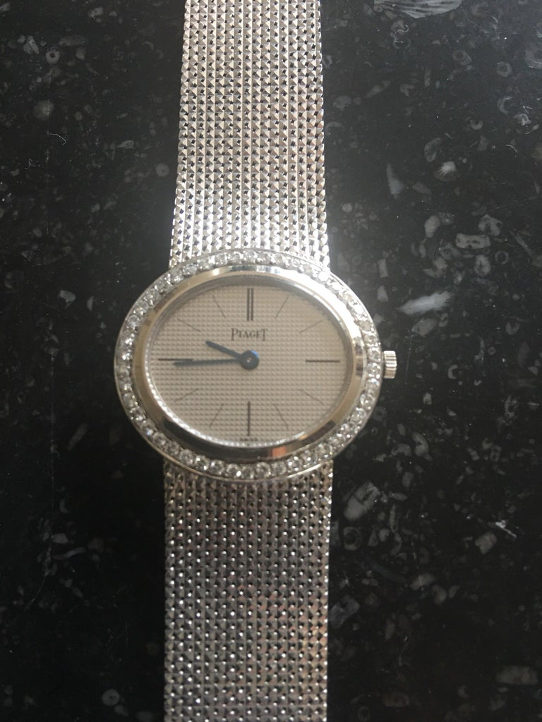 Piaget Ladies White Gold Diamond Manual Wristwatch In Excellent Condition For Sale In Paris, FR