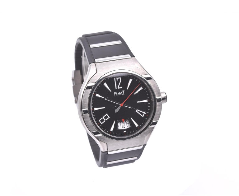 Movement: automatic Function: hours, minutes, seconds, date Case: round 45mm titanium case, scratch resistant sapphire crystal, screw down crown, water resistant to 30 meters Band: black rubber and titanium strap Dial: black dial, white luminescent