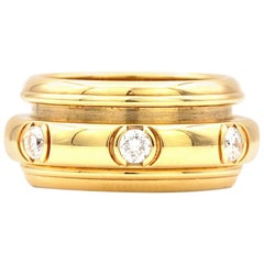 Piaget Possession Ring in 18 Karat Yellow Gold with Diamonds