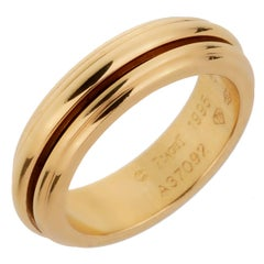 Piaget Possession Yellow Gold Spinning Ring