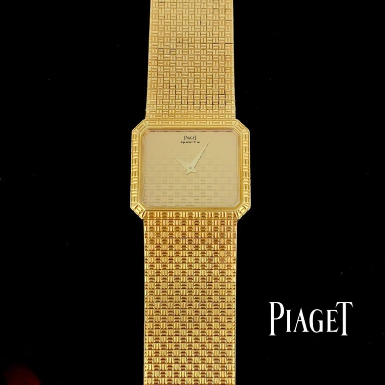 This vintage Piaget C121c5 quartz watch is all made with 18K yellow gold. It is pretty for men and ladies as well.   Total Weight:	102.1 g  Metal:		18K yellow gold. Case + Strap + Crown + Dial  Hallmarks: