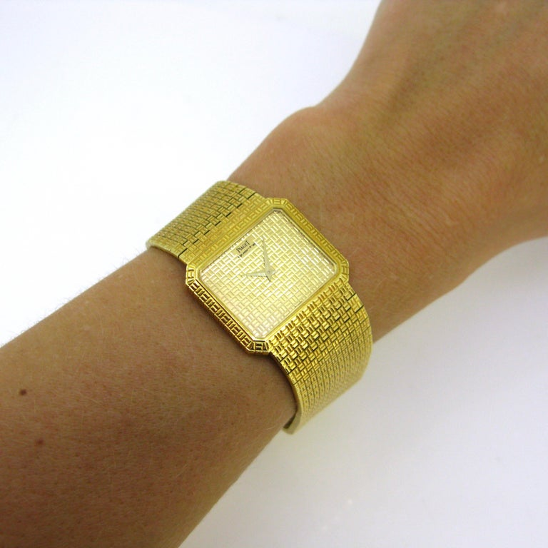 Piaget 1970s Yellow Gold Vintage Wristwatch 1