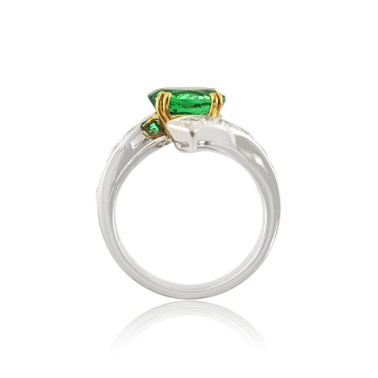 Contemporary Picchiotti 18 Karat White and Yellow Gold Fashion Ring with Diamonds and Emerald For Sale