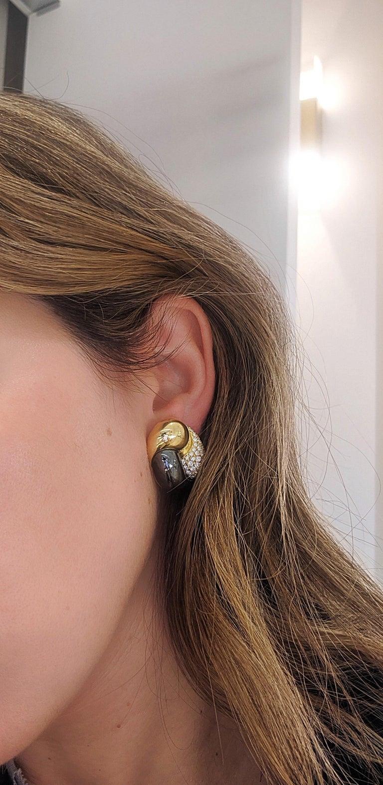 Round Cut Picchiotti 18 Karat Yellow Gold, 2.27 Carat, Diamond and Hematite Earrings For Sale