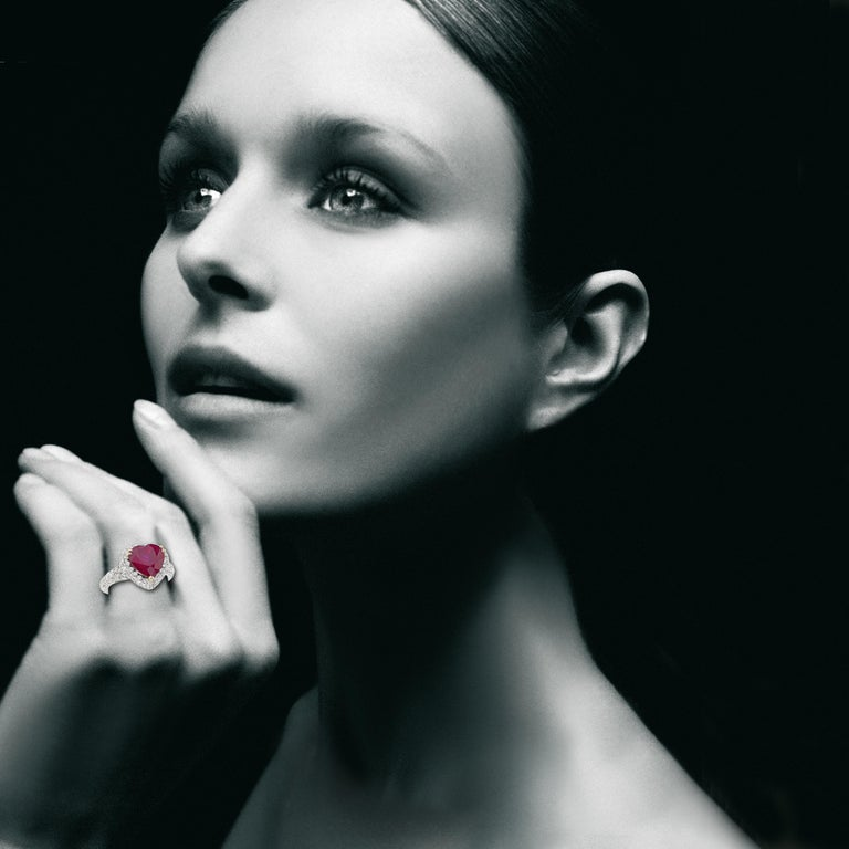 Contemporary Picchiotti GRS Report 4.29 Carat Heart-shape Burma Ruby and round Diamond Ring For Sale
