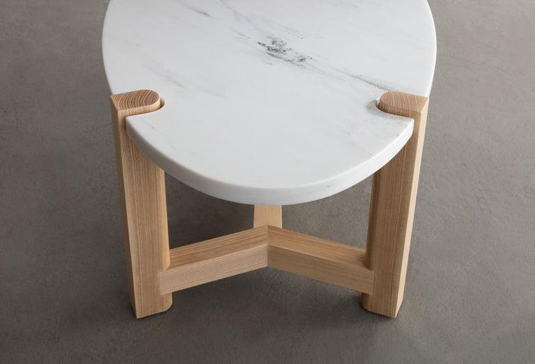 Pierce Coffee Table, White Marble, Oval, Walnut Hardwood For Sale 5