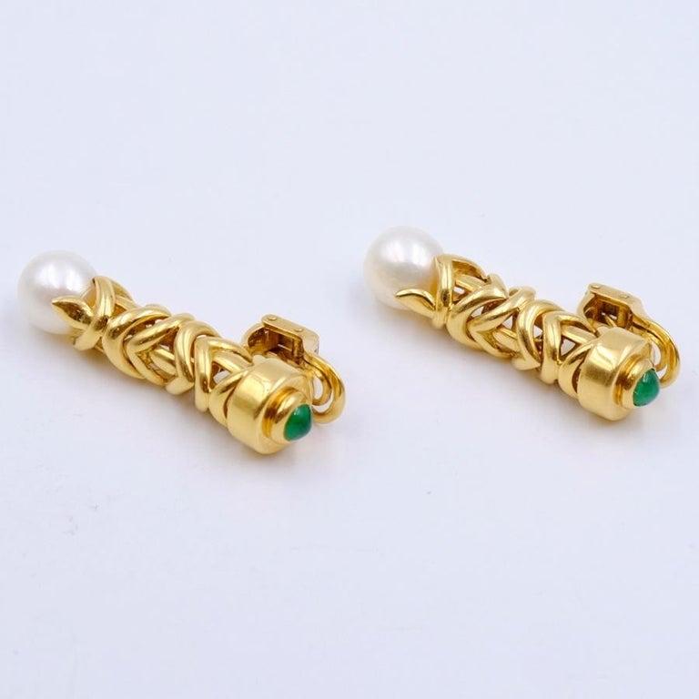 Year: 1980 Hallmark: - Materials: gold, pearls, emeralds