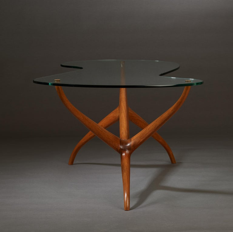 Pierluigi Giordani Exceptional Sculptural Oak & Glass Coffee Table, Italy, 1950s In Good Condition For Sale In New York, NY
