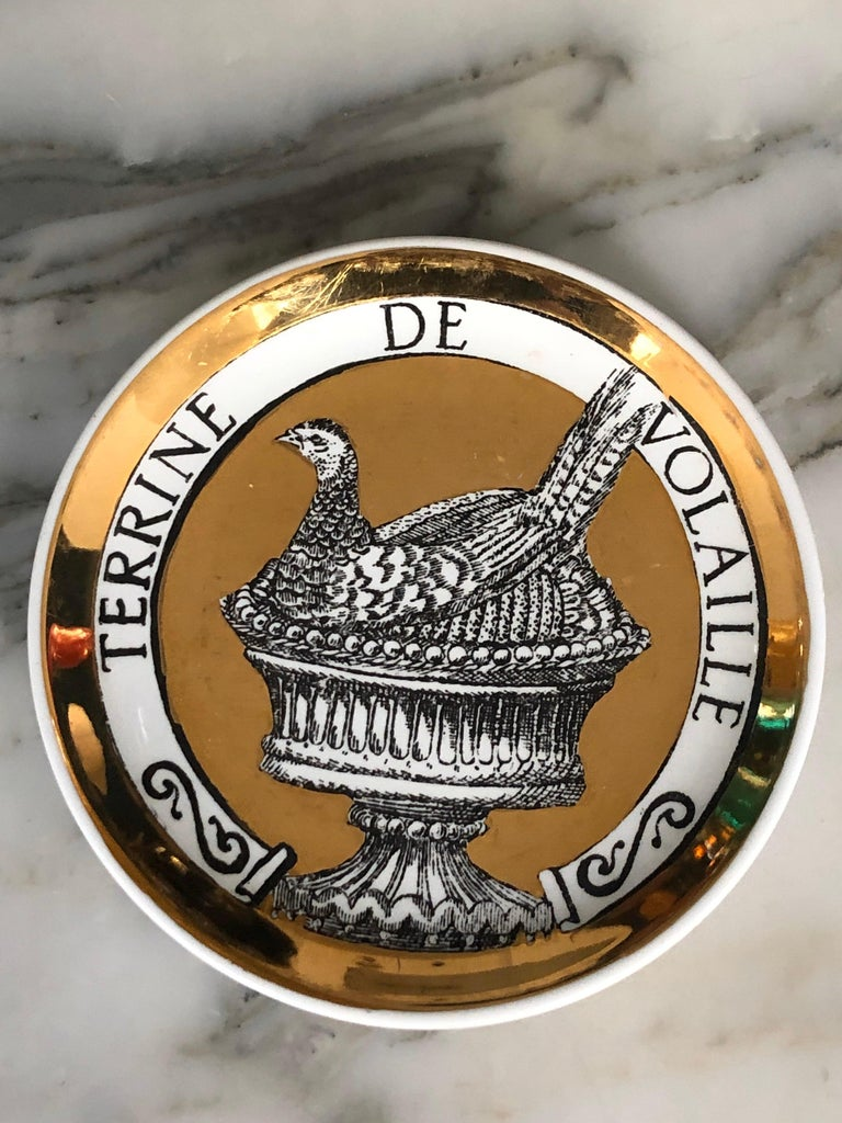 Piero Fornasetti Gilded Porcelain Coaster Set, French Cuisine from 1950 In Good Condition For Sale In Paris, France