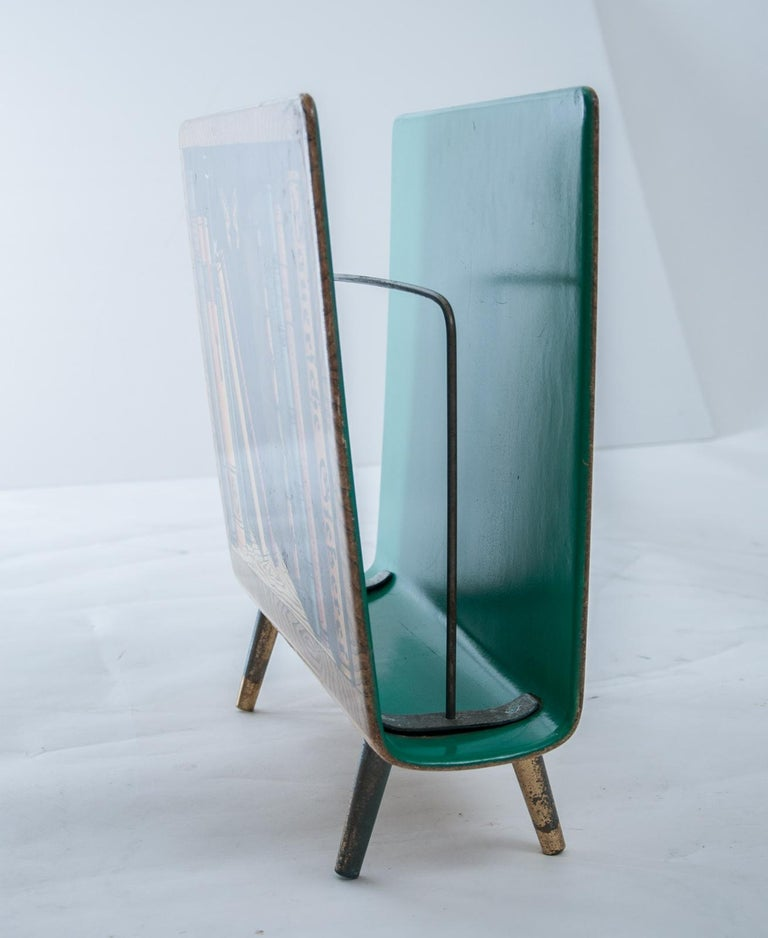 Piero Fornasetti Magazine Rack In Good Condition For Sale In Fingest, Oxfordshire