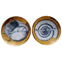 Piero Fornasetti Porcelain Gilt Pair of Seashell Plates, Conchyliorum Pattern