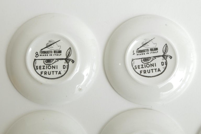 Piero Fornasetti Porcelain Sezoni Di Frutta Midcentury Small Plates or Coasters For Sale 4