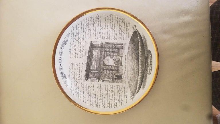 Piero Fornasetti Specialità Milanese Set of Twelve Porcelain Plates, 1960-1970 For Sale 5