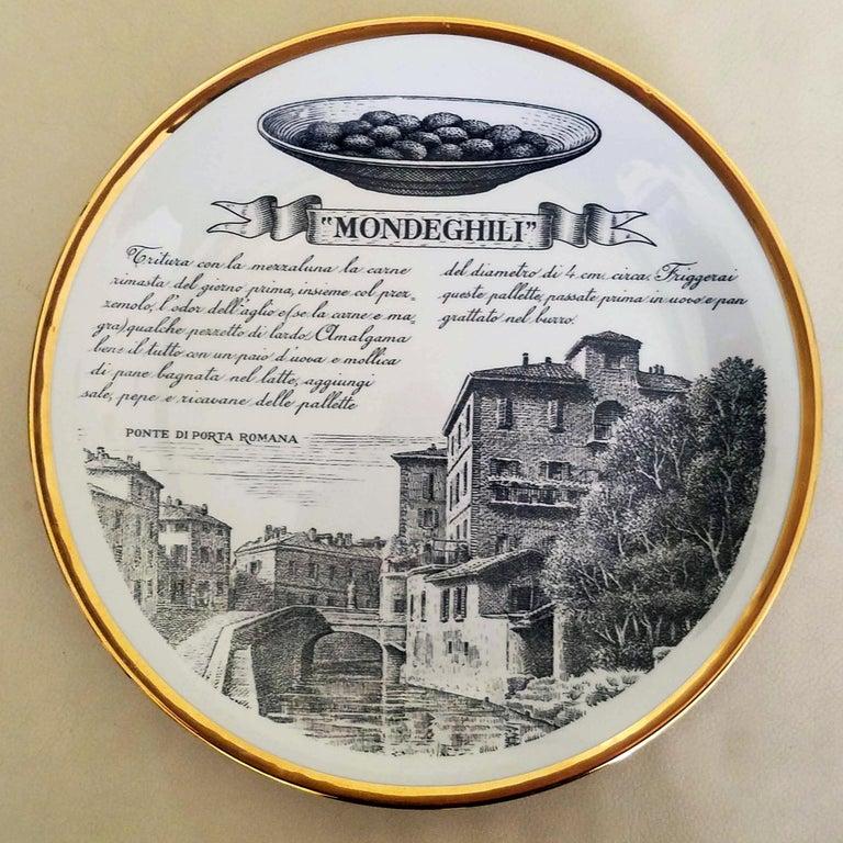 Piero Fornasetti Specialità Milanese Set of Twelve Porcelain Plates, 1960-1970 For Sale 3