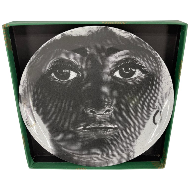 Piero Fornasetti Tema e Variazioni Porcelain Black and White Large Dish Charger For Sale