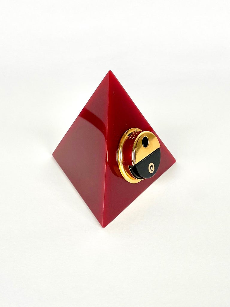 Mid-Century Modern Pierre Cardin Pyramid Bordeaux Lucite Table Lighter, France, 1970s For Sale