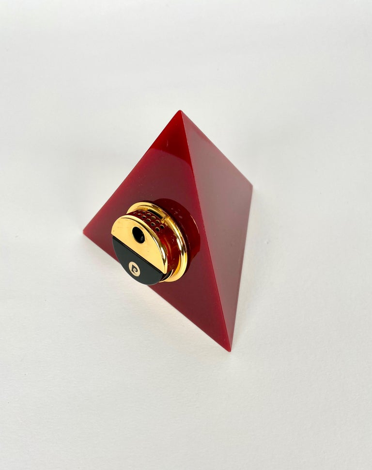 French Pierre Cardin Pyramid Bordeaux Lucite Table Lighter, France, 1970s For Sale