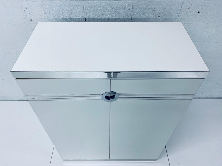 Pierre Cardin White Veneer and Chrome Highboy Dresser for Dillingham In Good Condition For Sale In Miami, FL