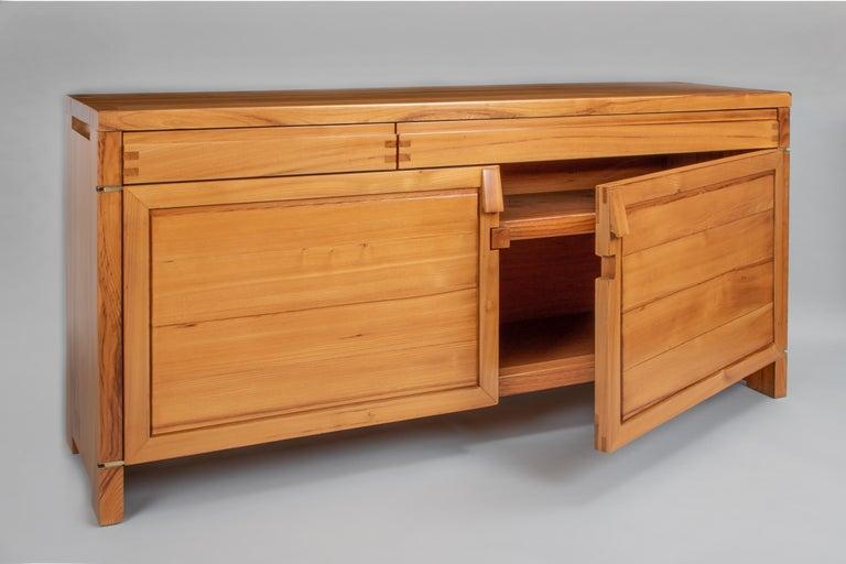 Pierre Chapo, Makellos Gefertigter Schrank aus Ulme mit Freiliegenden Scharnieren, Frankreich, 1960er 5