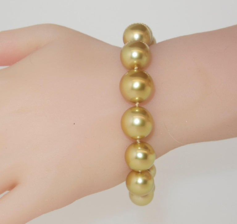 Pierre/Famille Golden South Sea Pearl Bracelet and Fancy Intense Diamond Clasp For Sale 1
