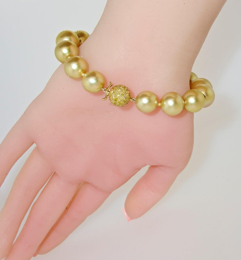 Pierre/Famille Golden South Sea Pearl Bracelet and Fancy Intense Diamond Clasp For Sale 3