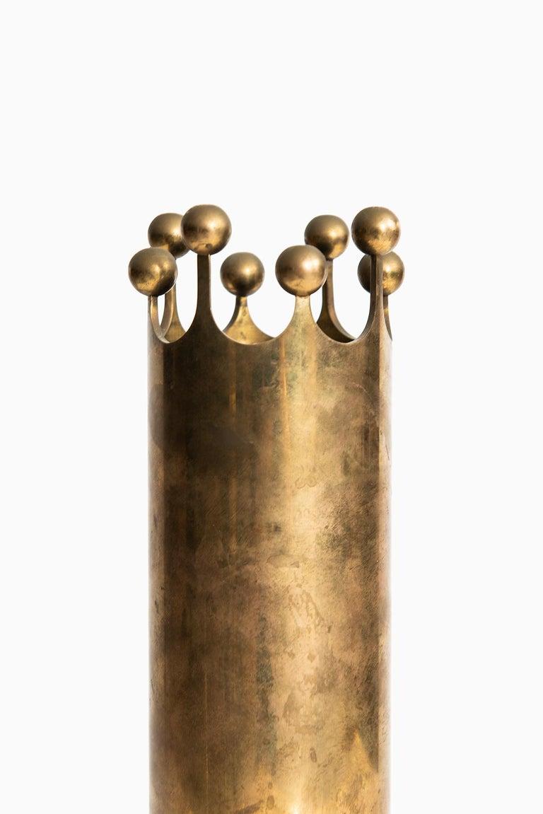 Scandinavian Modern Pierre Forsell vase in brass by Skultuna in Sweden For Sale