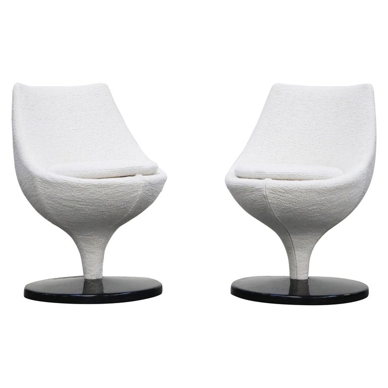 Pierre Guariche for Meurop 'Polaris' Chairs in White Boucle Fabric, Pair, 1960s For Sale