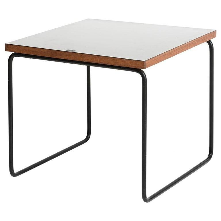 Pierre Guariche Metal and wood Square French Mid-Century Side Table For Sale 2