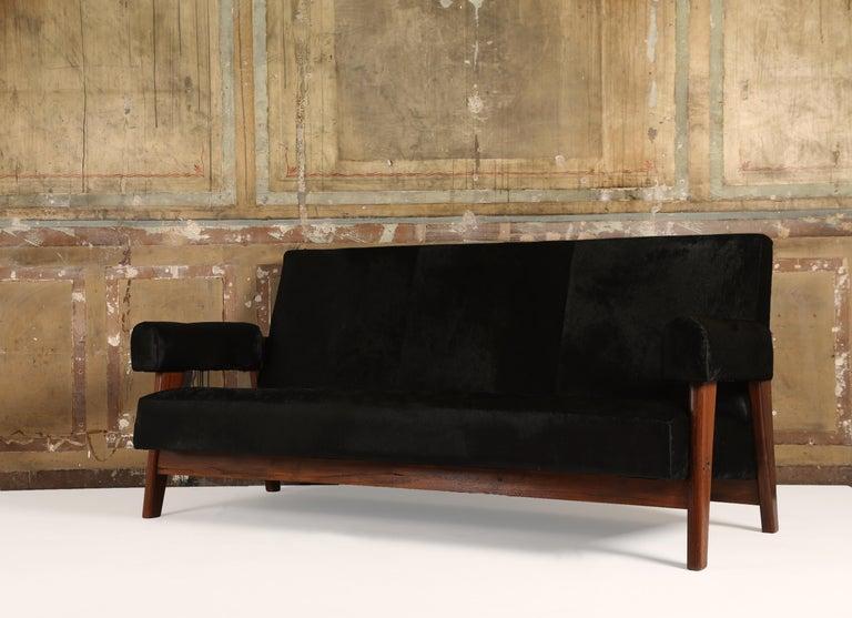 Mid-Century Modern Pierre Jeanneret /Le Corbusier, LC/PJ-SI-42-A/B Sofa Armchairs Set For Sale