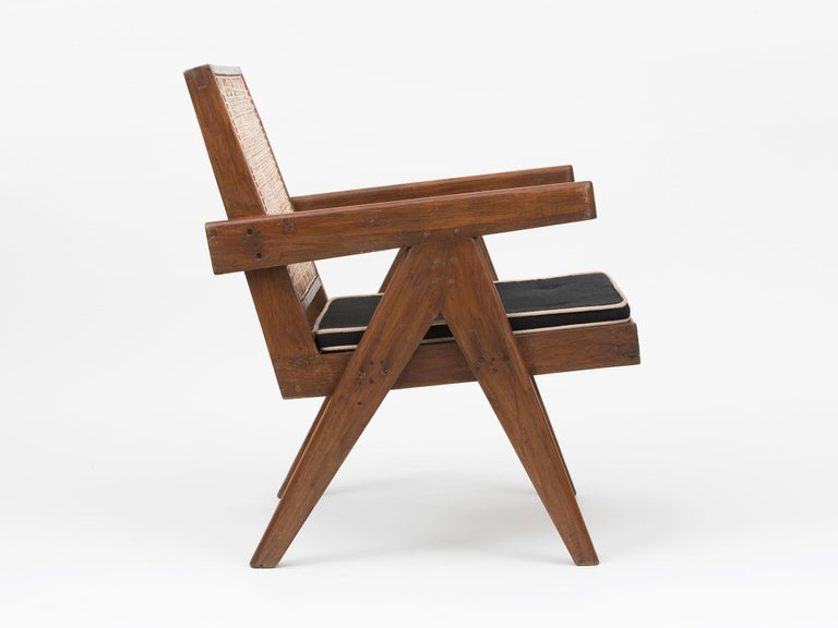 Pierre Jeanneret Low Lounge Chairs In Good Condition For Sale In New York, NY