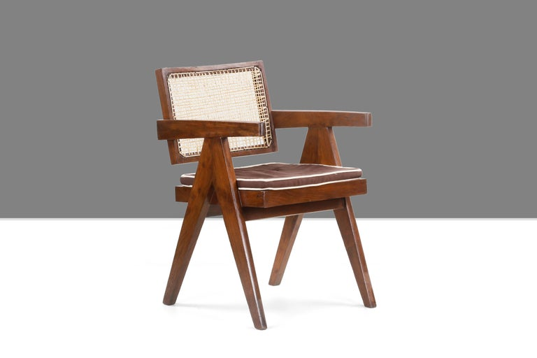 This chair is a fantastic piece, almost iconic. It is raw in its simplicity and