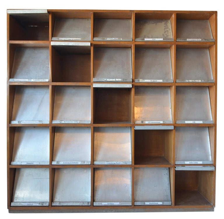 Pierre Jeanneret Periodical Bookcase In Good Condition For Sale In Brooklyn/Toronto, Ontario