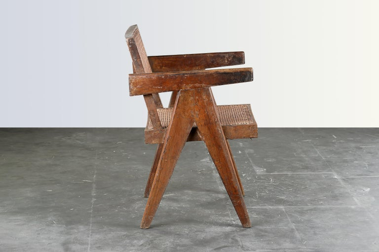 They have a patinated teak, which gives that chairs a strong character, showing all that traces of age and its uniqueness. They are finally historical pieces from an UNESCO World Heritage site, done by the most important architects from the 20th
