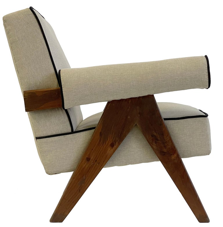 Pierre Jeanneret PJ-SI-32-A Upholstered Easy Armchair For Sale 7