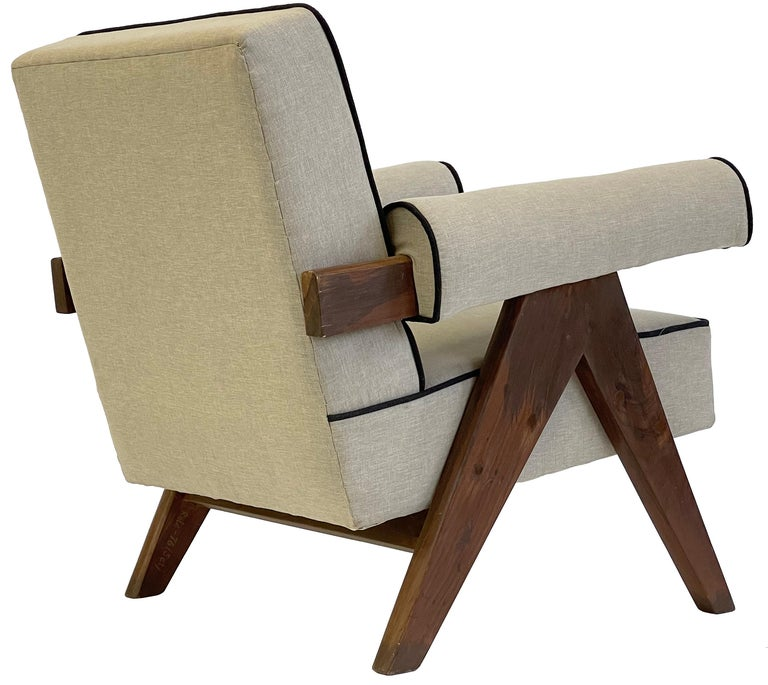 Pierre Jeanneret PJ-SI-32-A Upholstered Easy Armchair For Sale 8