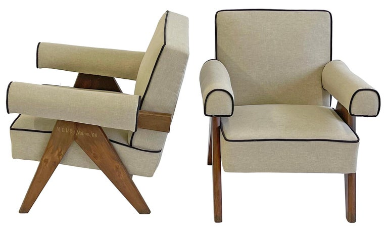 Mid-Century Modern Pierre Jeanneret PJ-SI-32-A Upholstered Easy Armchair For Sale