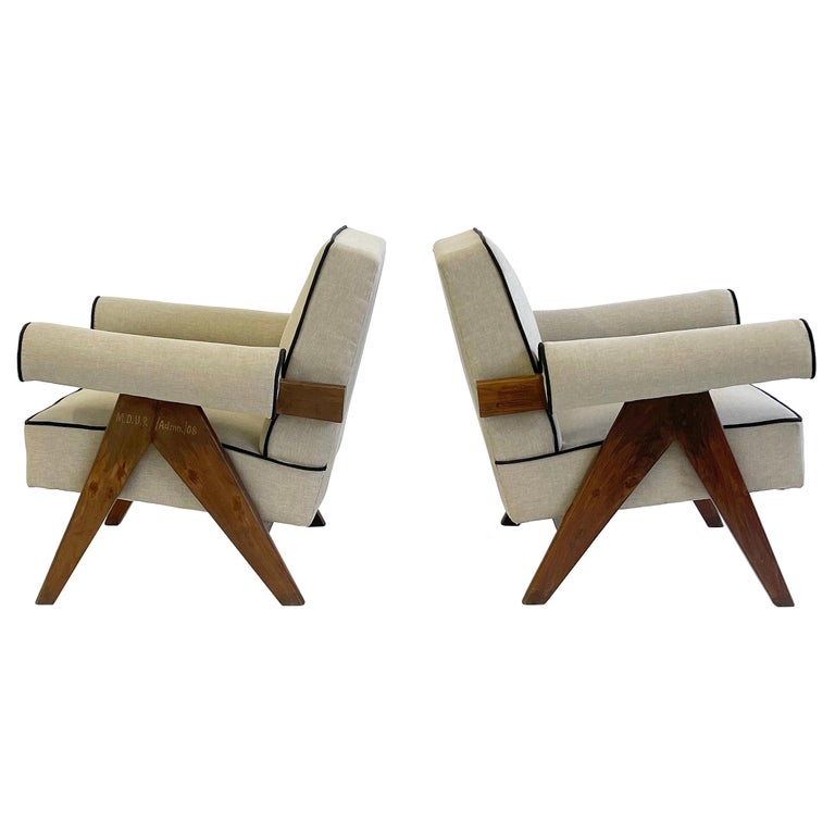 Pierre Jeanneret PJ-SI-32-A Upholstered Easy Armchair For Sale