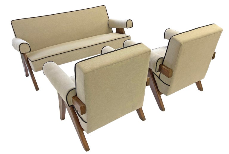 Mid-Century Modern Pierre Jeanneret PJ-SI-32-B Upholstered Sofa For Sale