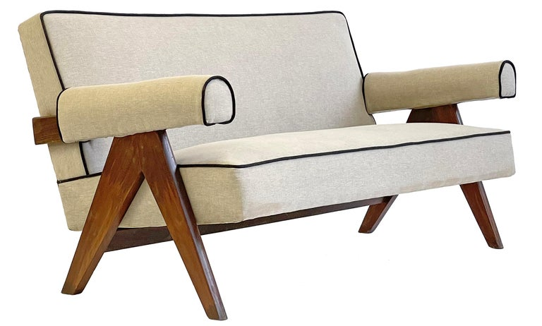 Pierre Jeanneret PJ-SI-32-B Upholstered Sofa In Good Condition For Sale In Toronto, Ontario
