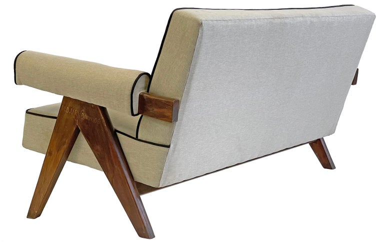 Pierre Jeanneret PJ-SI-32-B Upholstered Sofa For Sale 1